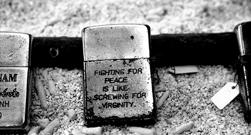 Зажигалки Zippo с гравировками о войне во Вьетнаме